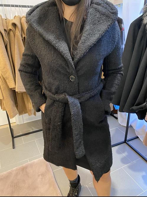Cappotto con cintura e cappuccio