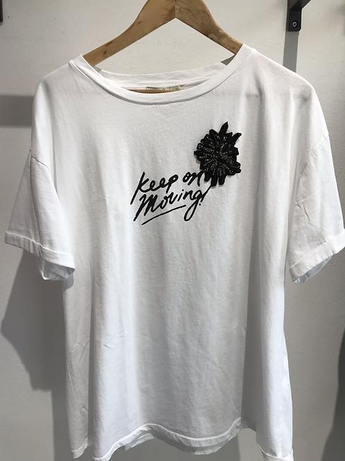T-shirt ricamo over