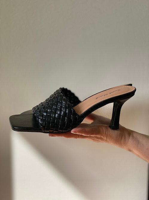 Sandalo intrecciato - 2 colori