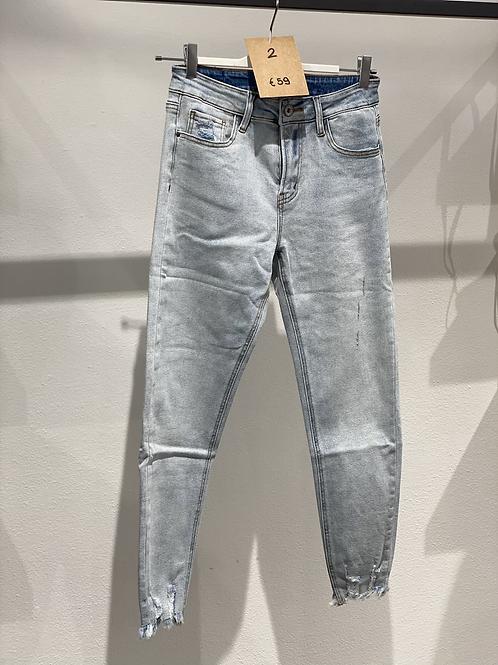 Jeans elasticizzato skinny n. 2