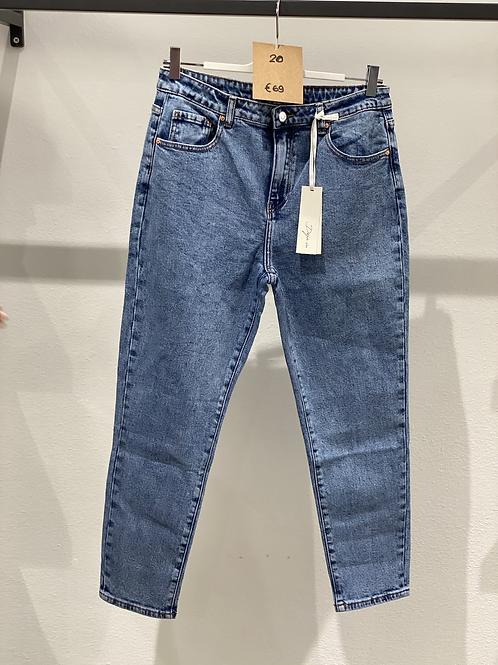 Jeans elasticizzato  over - n. 20