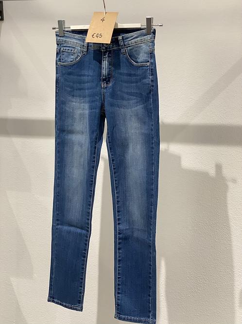 Jeans elasticizzato skinny n. 4