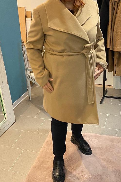 Cappotto doppio petto con cintura