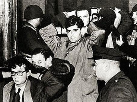 """La """"Noche de los Bastones Largos"""": matar las ideas a garrotazos"""