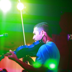 Quetzal Guerrero live w MGA