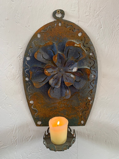 Wall sconce rusted flower