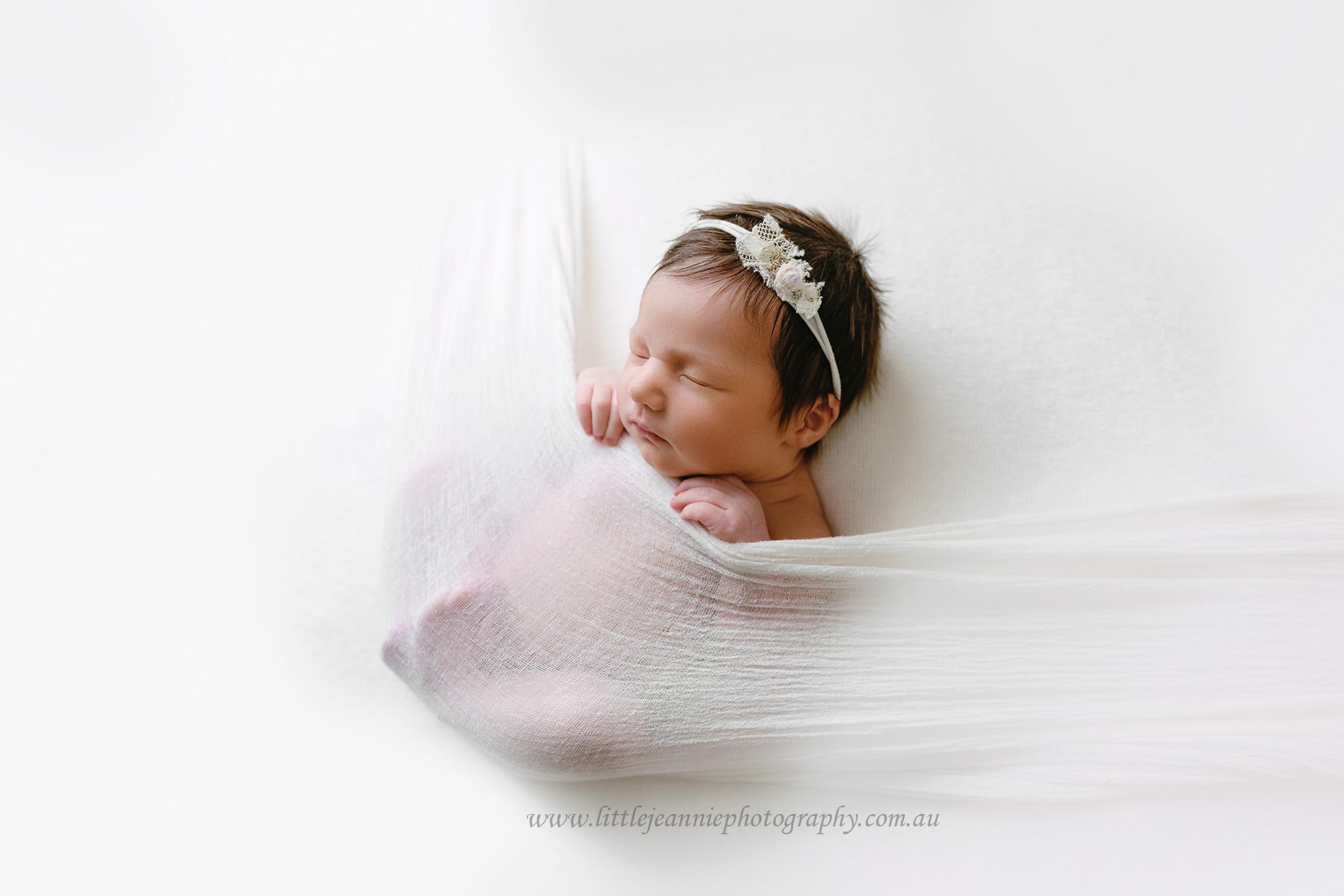 simpleplistic newborn photos