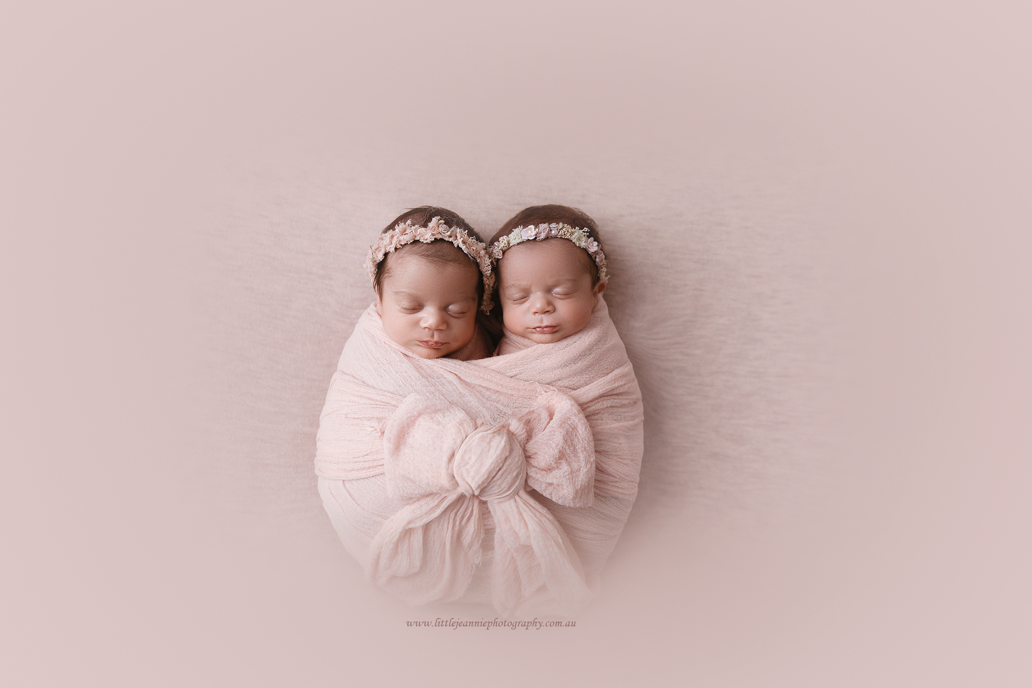 Twin girl photos