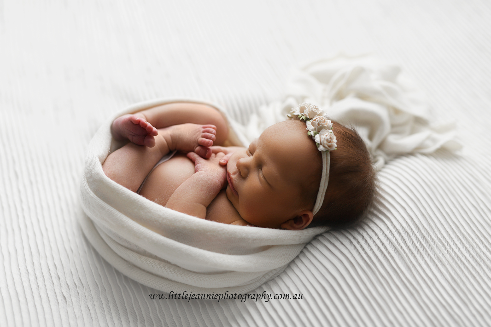 Simplistic newborn photos