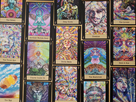 Visionary Cards by Noa Knafo