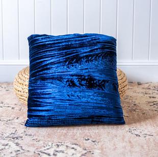Velvet cushion (royal blue)