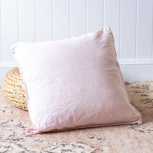Linen cushion (light pink)