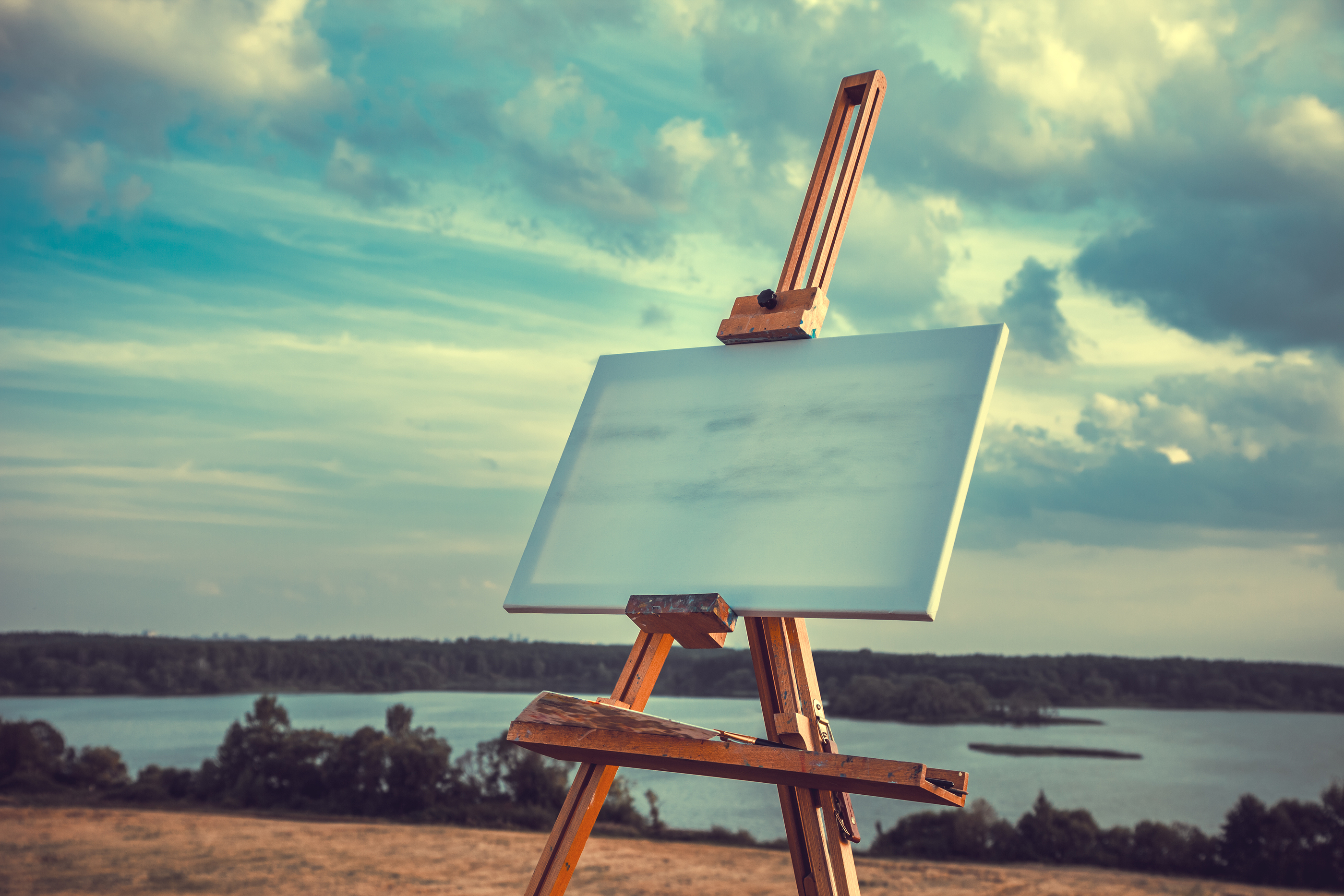Canvases & Easels