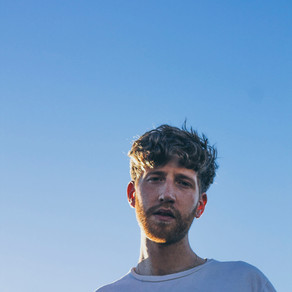Luna Bay's Rye Milligan is here with sensational new summer tune 'Tongue Tied Up'
