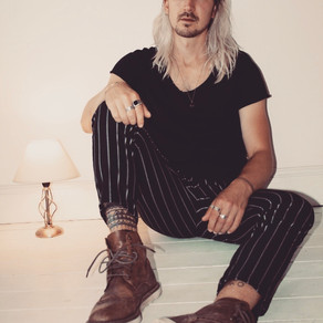 Max Alexander releases alt 80's pop sensation titled 'Stay Where You Are'