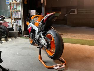 バイクタイヤ交換 持ち込み もちろん当店でのオーダーも可能です!本当にいつも有難うございます!!