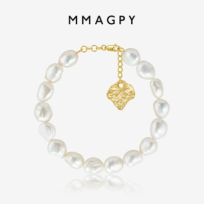 Pearl Anklet with a Golden Leaf