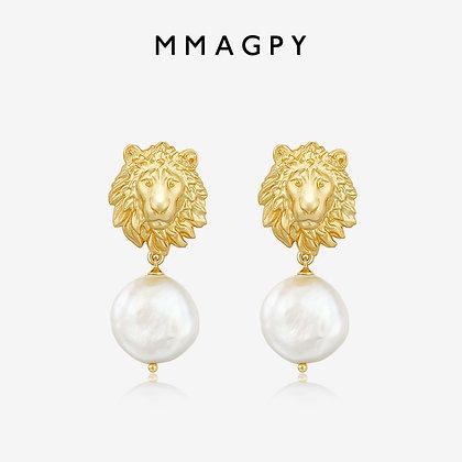 Patronus Irregular Pearl Stud Earrings