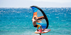 S25WING_Action_Wing-Surfer_RobbyNaish_Fi