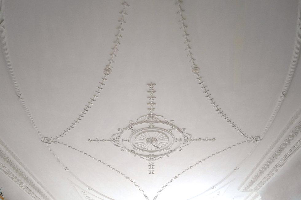Cornice London Bespoke plaster ceiling installation service