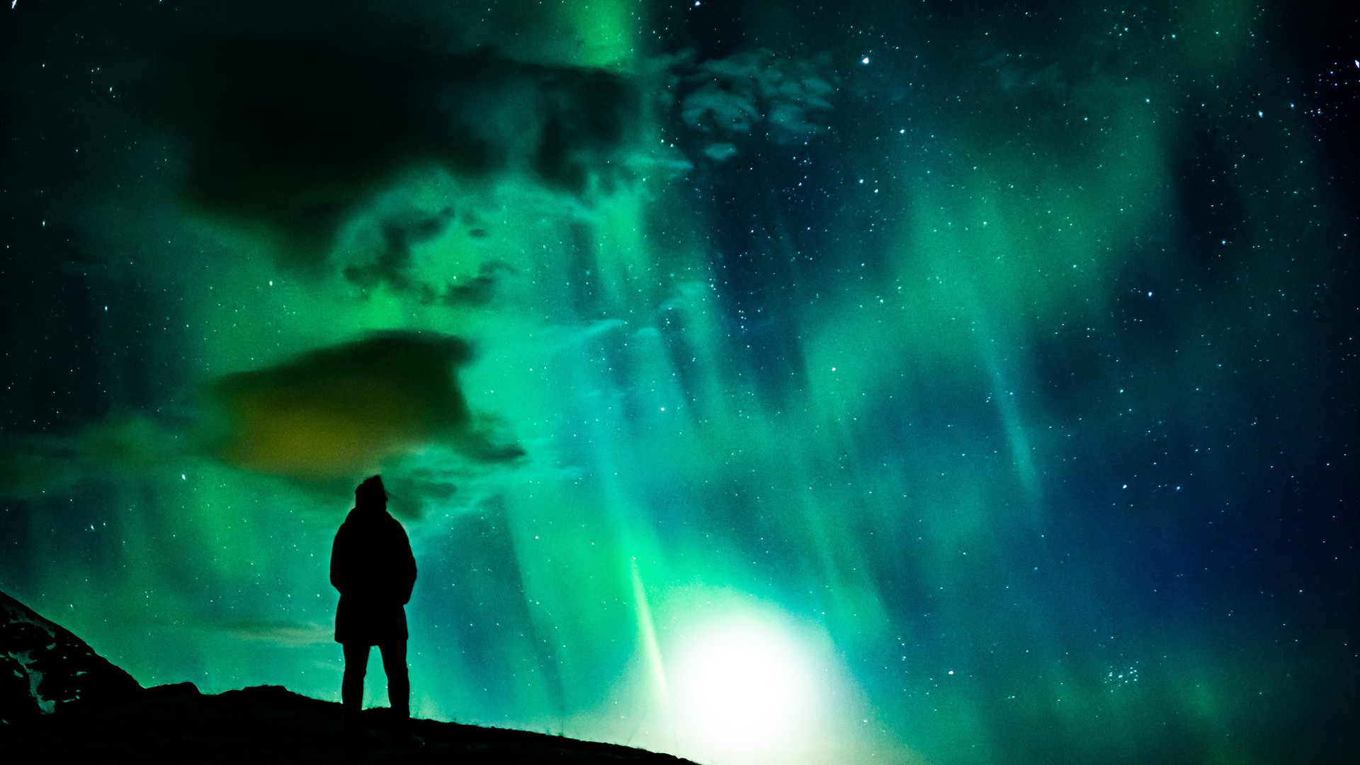 northern lights with a full moon