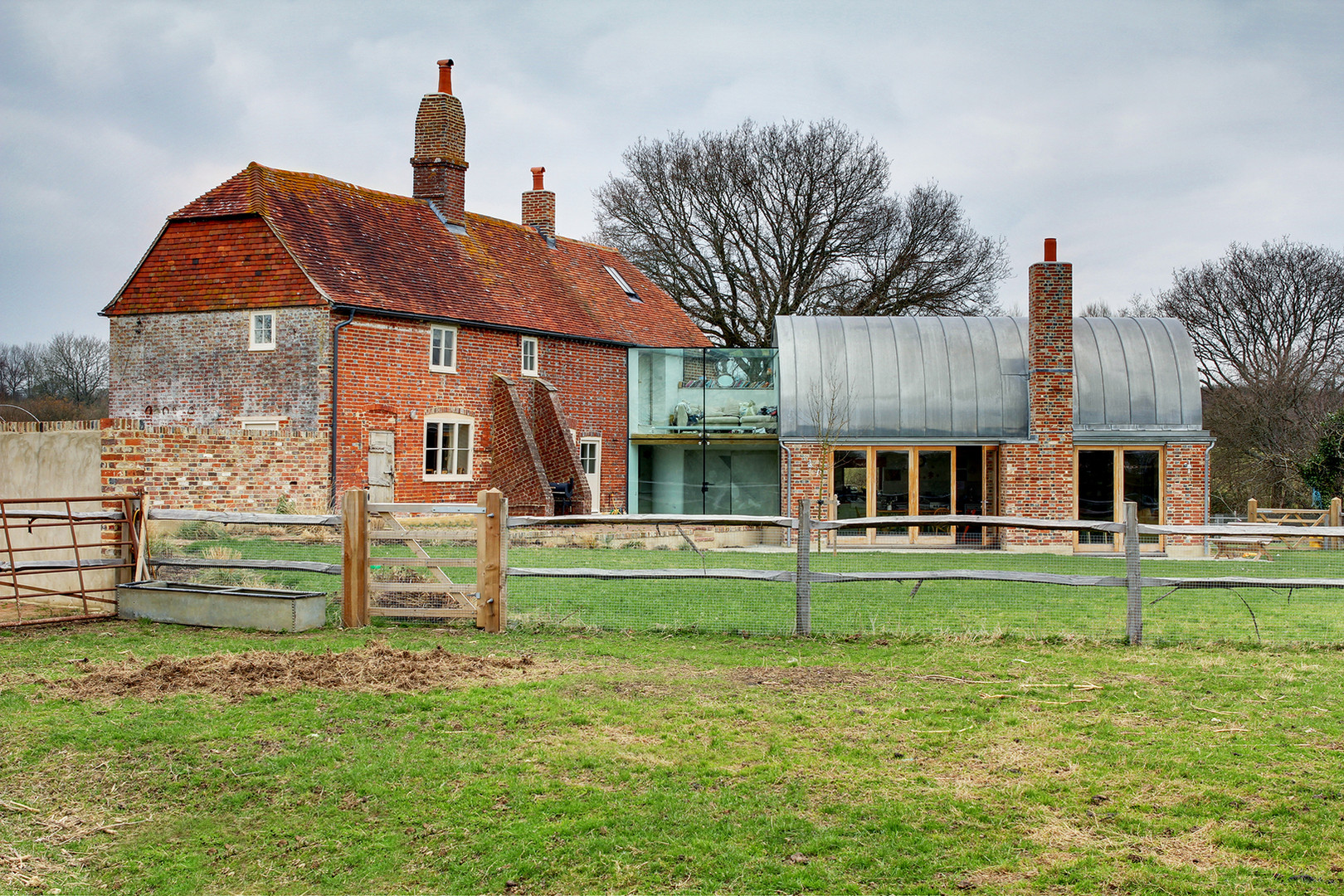 HAWTHBUSH FARM, HEATHFIELD