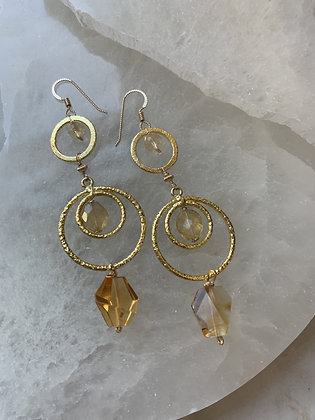 Centered and Free Chandelier Earrings