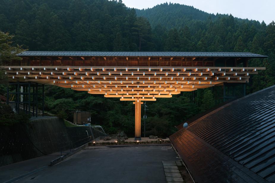 Kengo Kuma's Yusuhara Wooden Bridge ITGS https://goo.gl/VHJoaC
