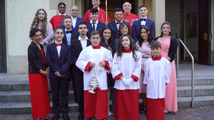 S.E. Monsignor Peter Birkhofer di Freiburg celebra le Cresime a Pforzheim