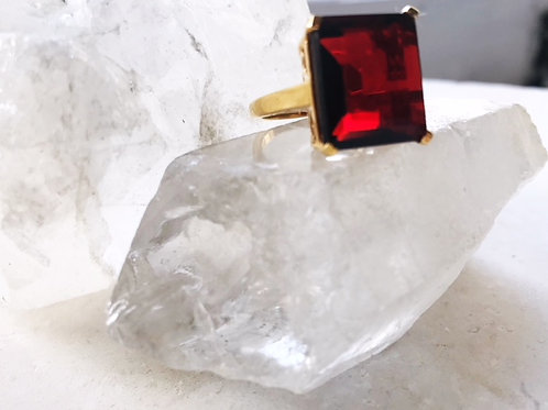 Claudia Ring Ruby Red Hydro