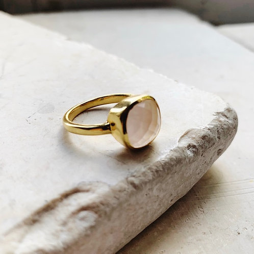 Celine Ring Pink Quartz
