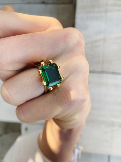 Square Claw Ring Emerald Green