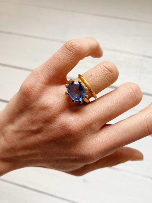 Oval Claw Ring Dark Blue
