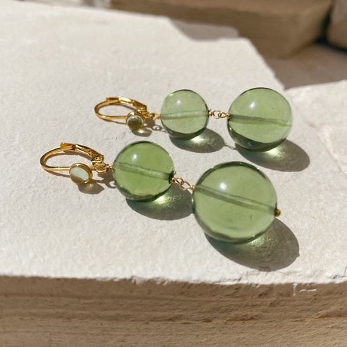 Pernille Pearl Earrings Soft Green