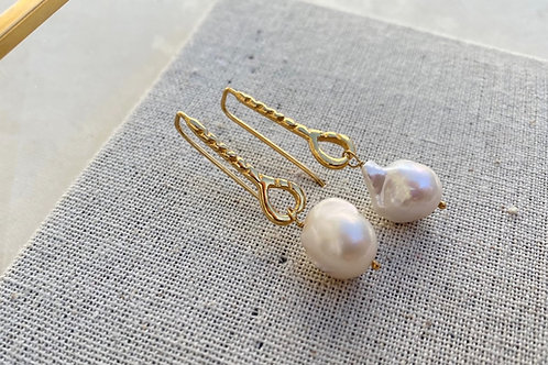 Helena Baroque Pearl Earrings