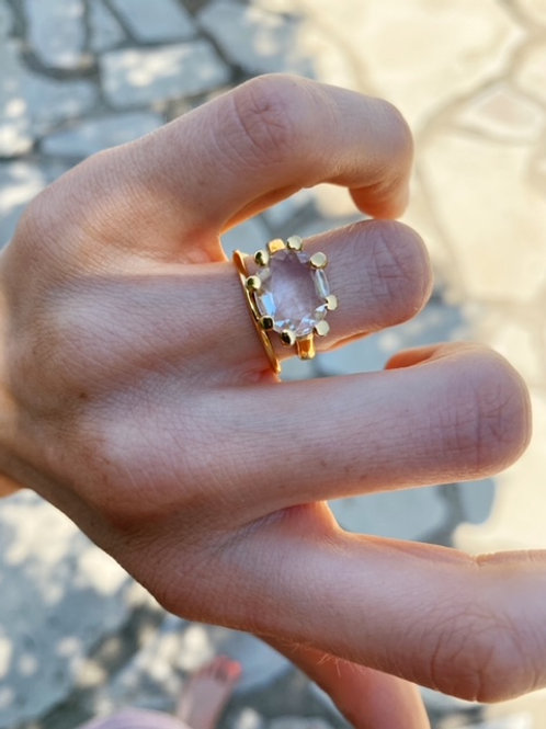 Oval Claw Ring Clear