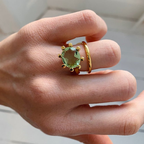Oval Claw Ring Soft Green
