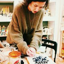 Kilogramme (Epicerie Zéro Déchet, Paris 10e Atelier de fabrication d'éponge tawashi avec des chaussettes usées