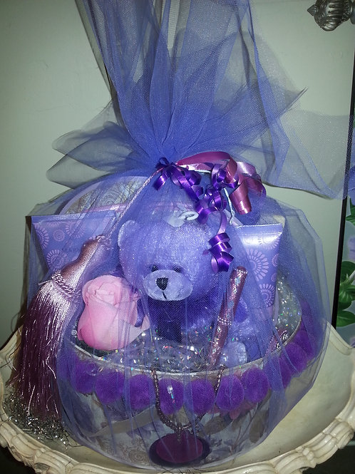 Purple Basket w/ parfum, lotion, shower gel