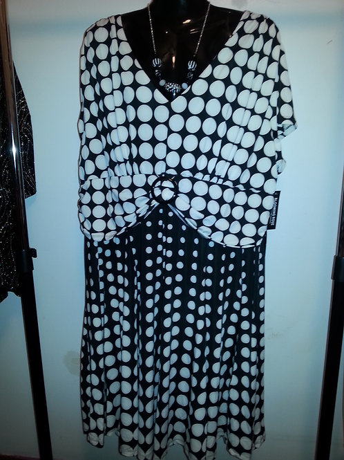 Black/White Dress - XL