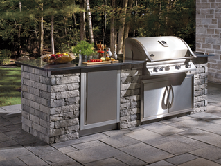 Thinking about an outdoor kitchen? Here is a few options to consider.