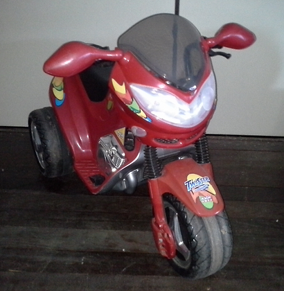 Moto elétrica Twister Magic Toys