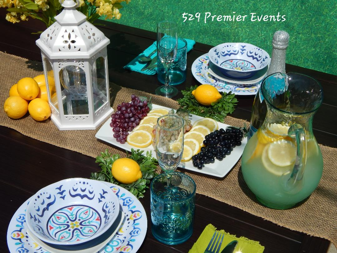 Blue Summer Table Decor