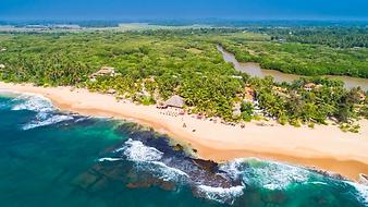 Sri-Lanka-beach.webp