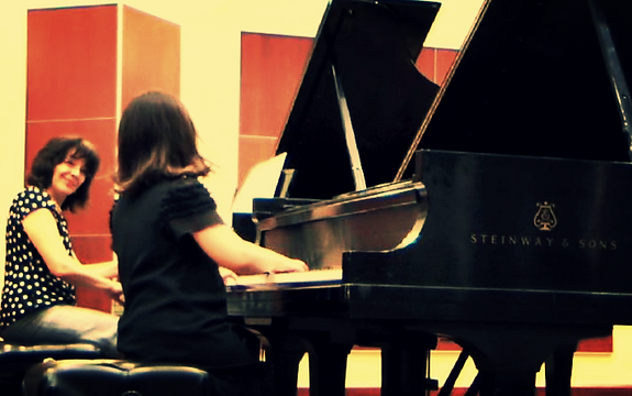 piano lesson with student in Merit School of Music