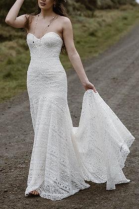 sadie-wedding-dress-train-lace-flare_edi