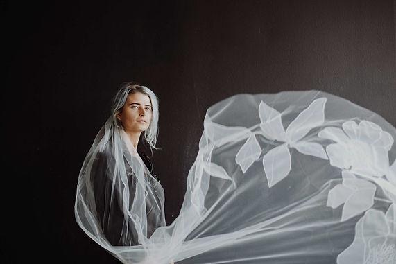 lovely-bride-wedding-veil-new-phrenology