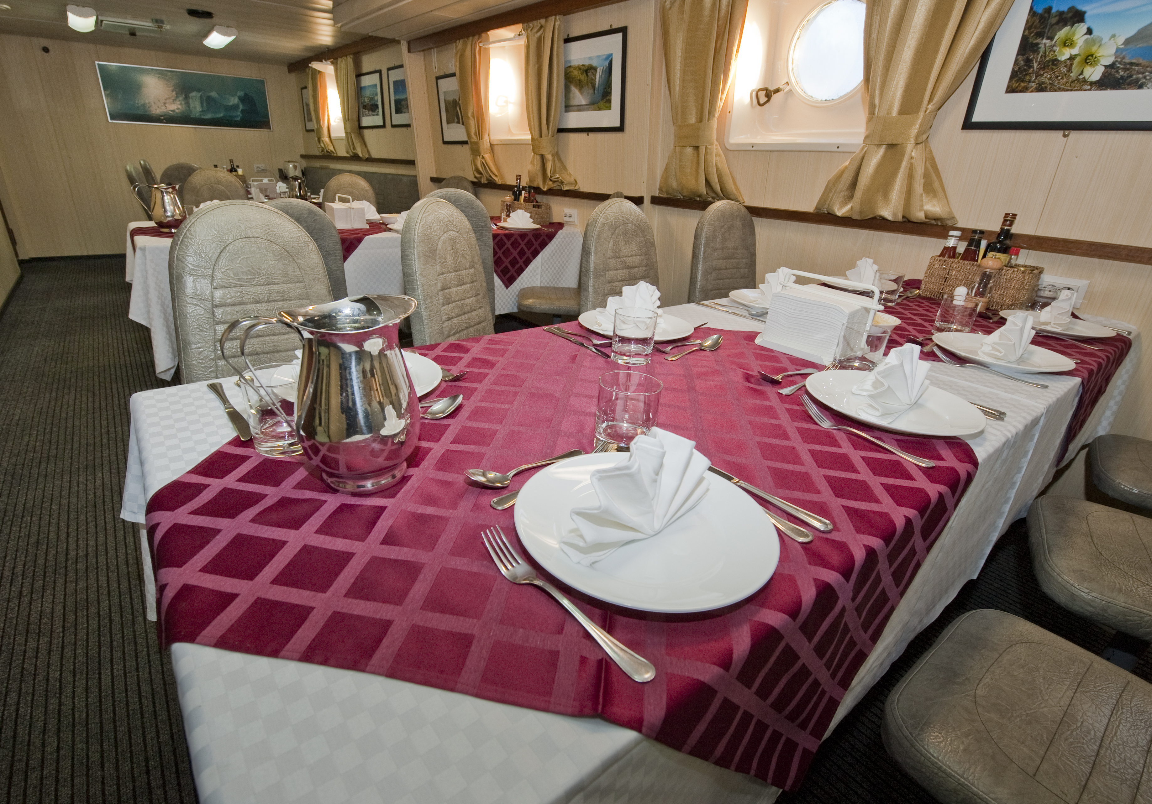Polar Pioneer Dining Room