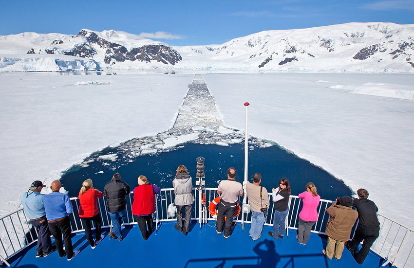 9/10 Nights Small Ship Antarctic Peninsula Expedition