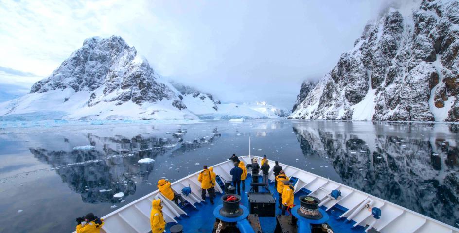 10 Nights Antarctic Express: Crossing the Circle